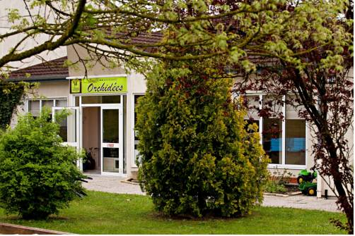 STADTRAND: Hotel-Restaurant Orchidees mit Pool***