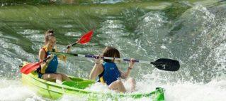 Erlebnisvolle Fahrt mit dem Kanu auf der Maas